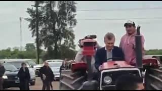 Macri en un tractor en Chaco