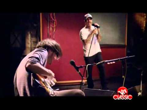 Red Hot Chili Peppers Live - Monarchy of Roses
