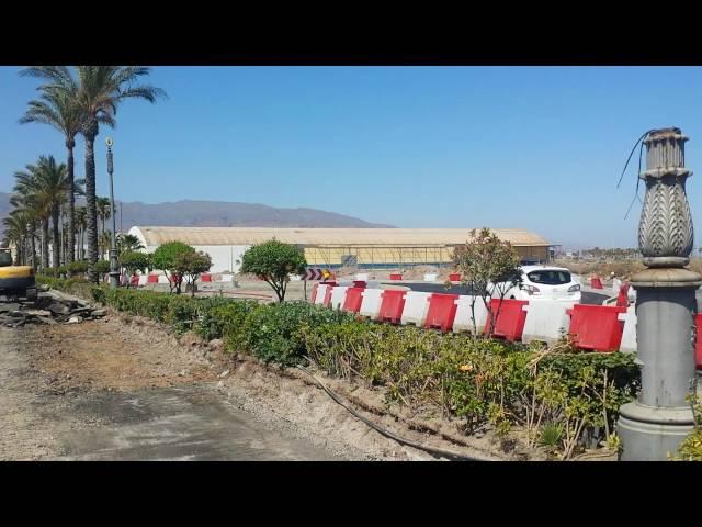 La nueva rotonda de Las Salinas, en construcción