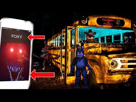 (PURPLE GUY IS COMING?!) CALLING FOXY THE PIRATE ON FACETIME AT 3 AM | FREDDY CHICA & BONNIE APPEAR!