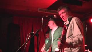 THE UNDERTONES - The Girls Don