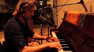 Rik van den Bosch on altered piano in Mallorca (Teaser documentary)