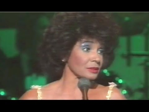 Shirley Bassey - Send In The Clowns (1985 Live In Cardiff)