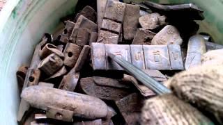 Свинец для пуль и дроби из балансировочных грузиков.(Получив грузики из шиномонтажки, обязательно проверяйте их на наличие грузиков из других металлов, отличны..., 2015-06-01T13:23:27.000Z)