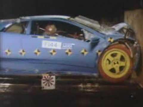 Lamborghini Diablo Crash Test
