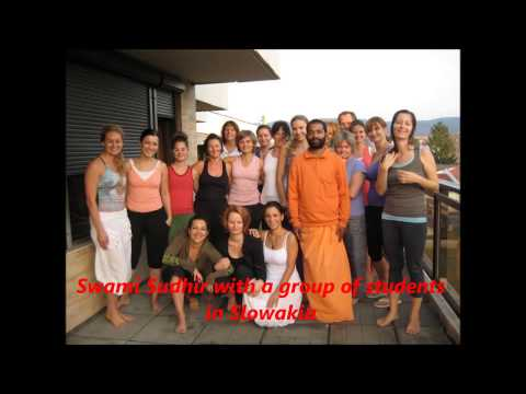 One the best yoga school ashram in rishikesh india