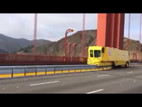 """Golden Zipper"" moving new Golden Gate Bridge median"