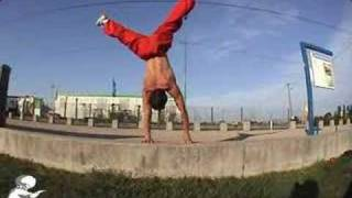 one hand stand