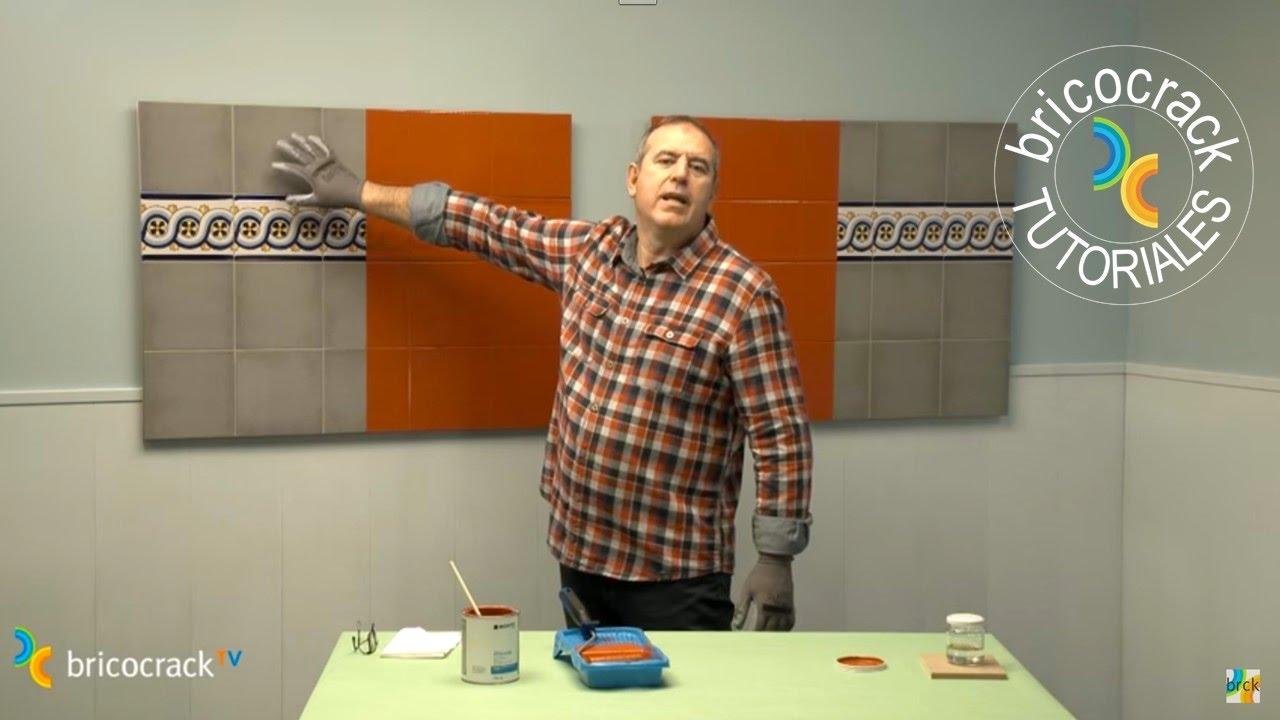 Pintar azulejos con esmalte sint tico bricocrack youtube - Como pintar azulejos a mano ...