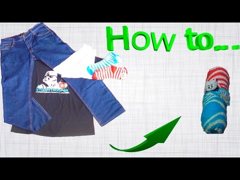 How compactly folded clothes before traveling I lifehack