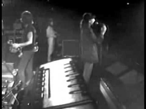Patti Smith - Because The Night - 1979 - Capitol Theatre , Passaic