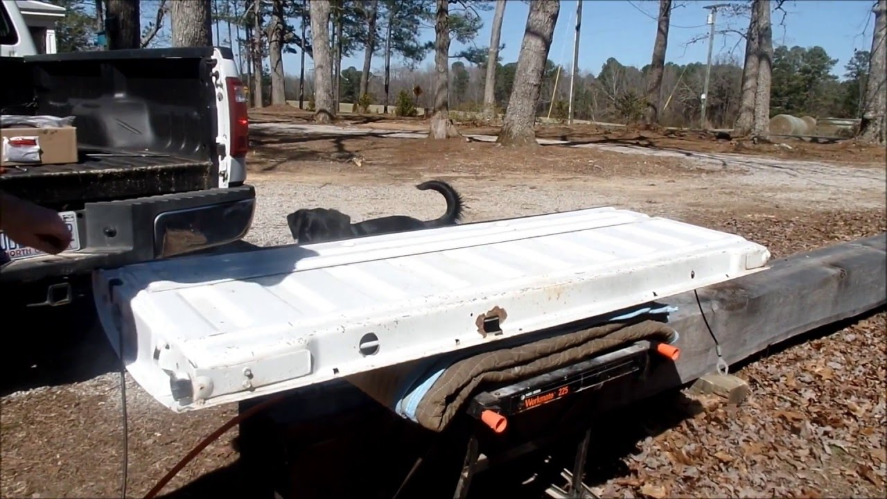 2008 ford f250 super duty tailgate torsion bar replacement youtube. Black Bedroom Furniture Sets. Home Design Ideas