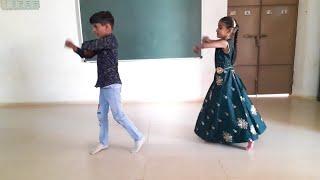 Abhi to party shuru hui hai kids dance