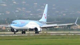 Two Thomson B738 landing at Mallorca Airport