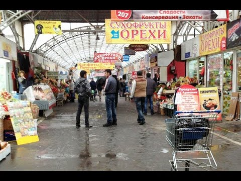 Rusiyada çalışan azərbaycanlılar 'krizis'in bazara təsirindən danışır