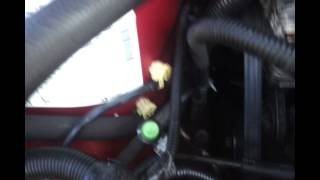 How to Recover Gas From a Dead Car