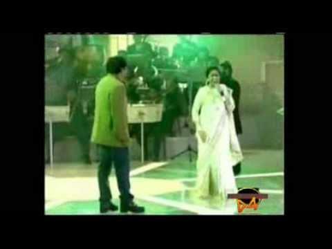 Piya Tu Ab To Aaja - Asha Bhosle LIVE Videos