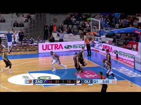 Luka Božić dunks on fast break (Zadar - Petrol Olimpija, 8.12.2017)