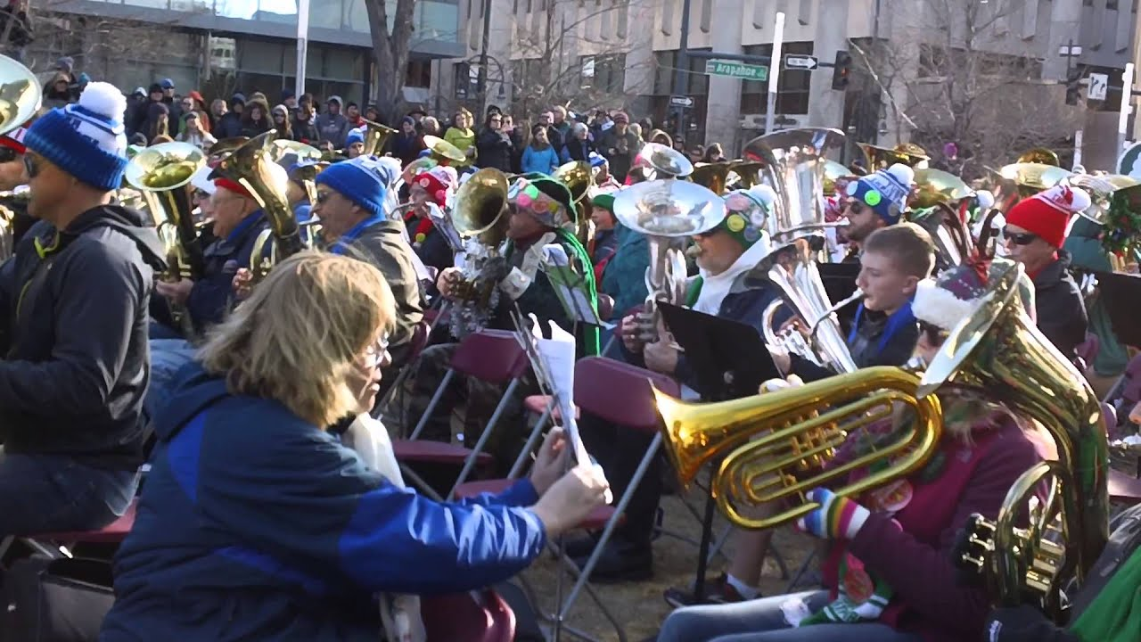 Tuba Christmas 2013 plays Silver Bells in Denver, CO 12-22-2013 ...