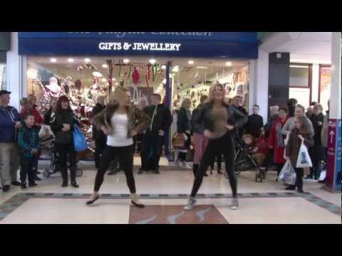 Oak Mall Greenock - Gangnam Style