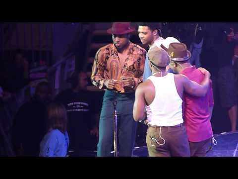 Bruno Mars 'Just The Way You Are' live O2 Arena London 09.10.13 HD
