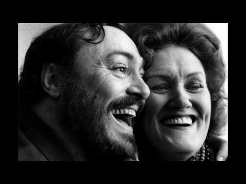 'Miserere' From Il Trovatore (Joan Sutherland, Luciano Pavarotti)