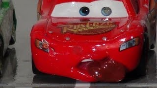 Disney Pixar Cars , 100 and 2 Ways to Crash Chapter 1 with Screaming Banshee and Lightning McQueen