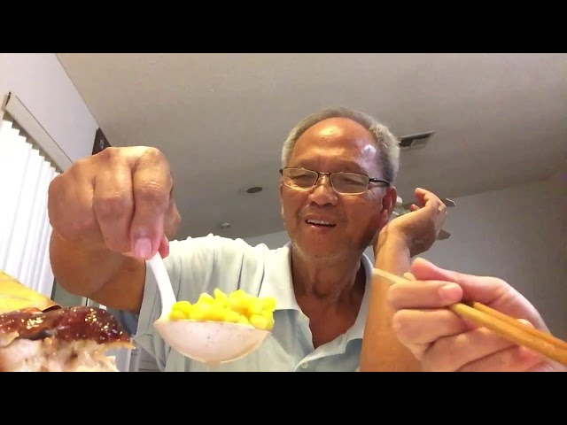 NVTC2 20181103- Hai Cha Con Ăn Nguyên Con Gà Nướng và Trò Chuyện (thực phẩm, FL, Cali, TX,Viêt Nam)