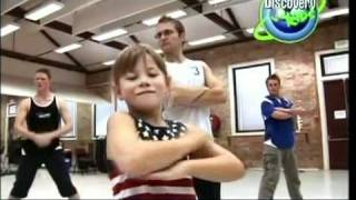 Bindi Irwin - When The Hippo Moves Her Hips (behind scenes)
