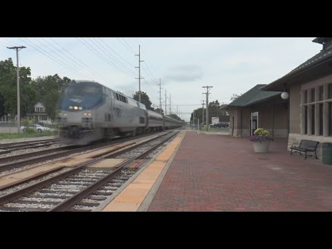 Thumbnail: (HD) 100+ MPH Amtrak Michigan Wolverines Back to Back! (Loud) 2 Camera View.