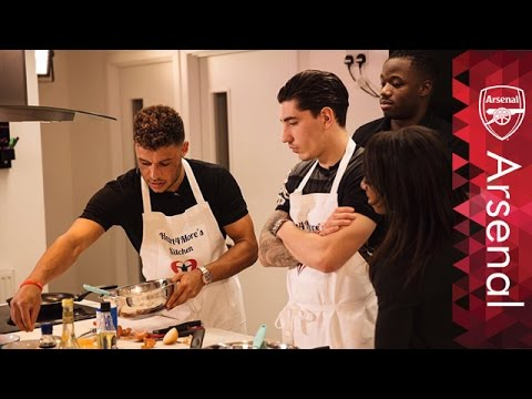 The Ox, Bellerin, Akpom and Carter take on Heart4More cooking challenge