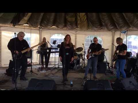 'A Real Fine Place To Start' (Sara Evans cover) Live at Randall Rootz August 2017