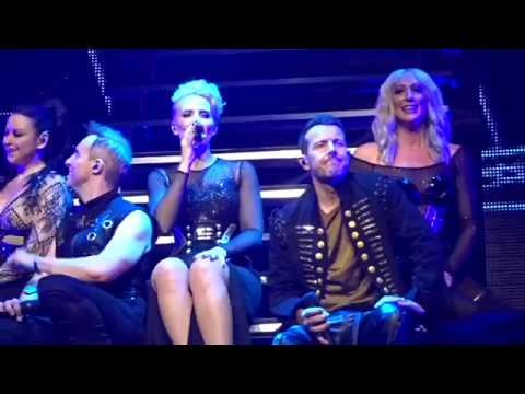 Steps - Neon Blue - Party On The Dancefloor (Echo Arena Liverpool 18/11/17)