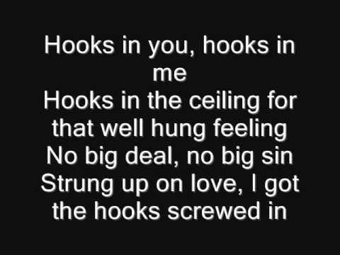 Iron Maiden - Hooks In You Lyrics