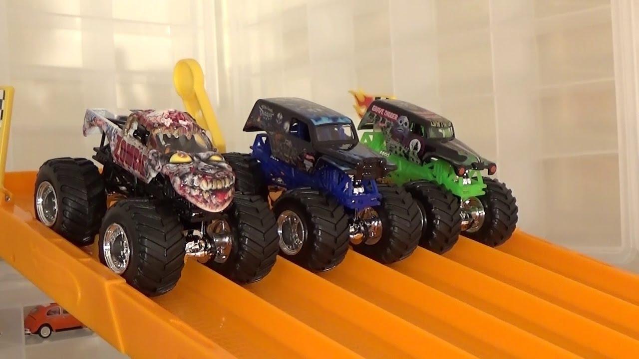 Hot Wheels Monster Jam Racing Day 1 Youtube