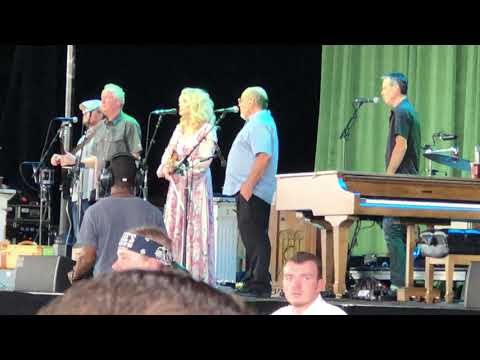 Alison Krauss At Outlaw Music Festival Down To The River And Pray