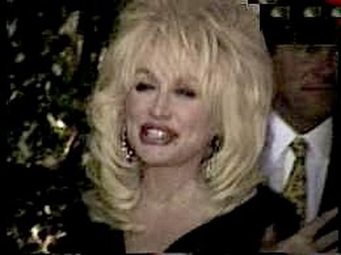DOLLY PARTON and manager SANDY GALLIN leave dinner together