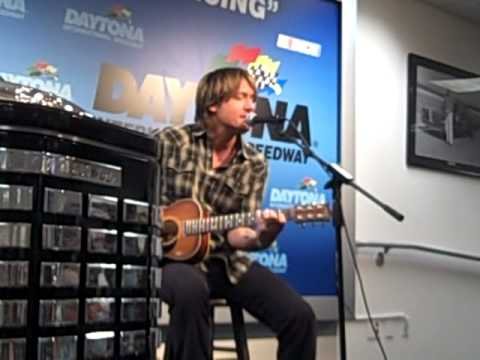 Keith Urban Sister Golden Hair at DIS
