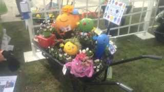 Cardiff Flower Show 2013 - Schools Wheelbarrow Competition - A Wheely Good Read 'llyfrau Lliwgar'
