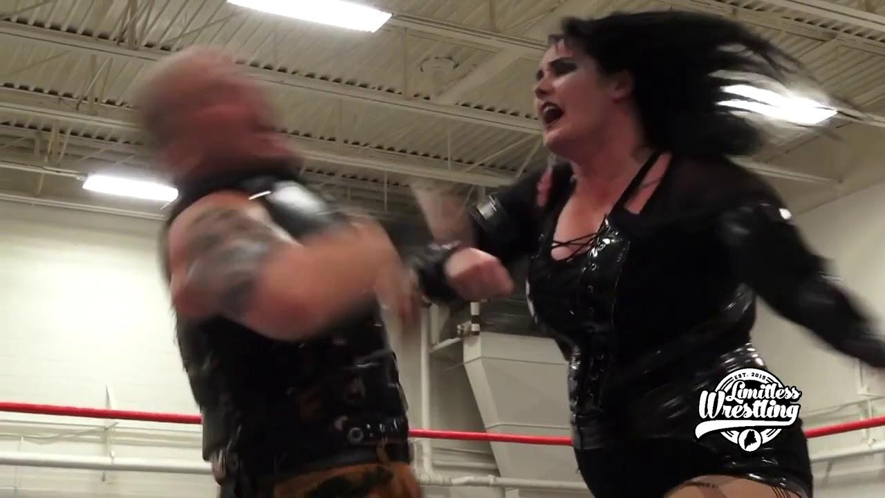 Download Jessicka Havok Dishes Out Strikes & A Chokeslam To Sami Callihan - Limitless Wrestling (Intergender)