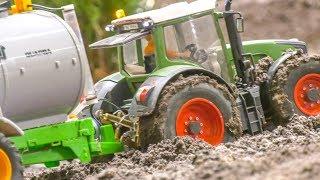 Tractor in Trouble! RC farming! Case Quadtrac! John Deere!