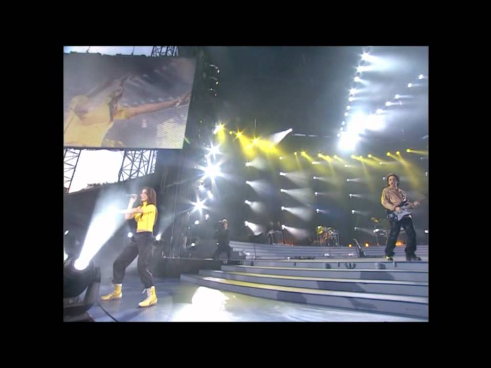 Download Shania Twain - Man! I Feel Like A Woman (Live In Chicago Up! Tour) HDTV