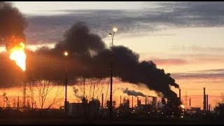 В Москве полыхает нефтеперерабатывающий завод