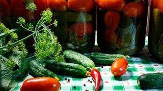 Маринованные огурцы с помидорами видео рецепт(На странице http://za100le.ru/canning/pickles.html Вас ждут подробные фото и пропорции этого рецепта., 2012-08-26T19:00:29.000Z)