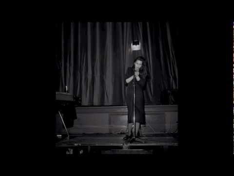 ANNE PIGALLE chante HE! STRANGER...LIVE