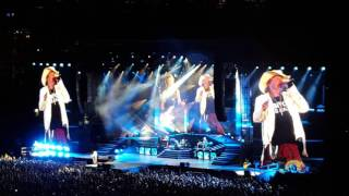"""Guns N' Roses perform """"Sweet Child O' Mine"""" at Heinz Field in Pittsburgh, July 12, 2016"""