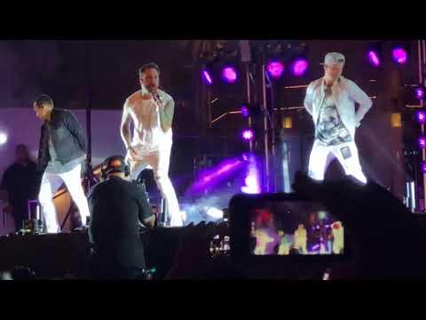 "Backstreet Boys At Cosmopolitan Las Vegas ""Don't Go Breaking My Heart"""