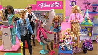 Barbie Story with Barbie Sister Chelsea in Hospital and Surprise Barbie Gifts from Friends