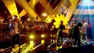 Day Of The Sunflowers (We March On) Yoko Ono/Basement Jaxx Live on Jools Holland