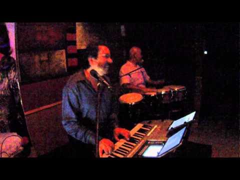 Red Brick - Robert Morales - Loca Conmigo
